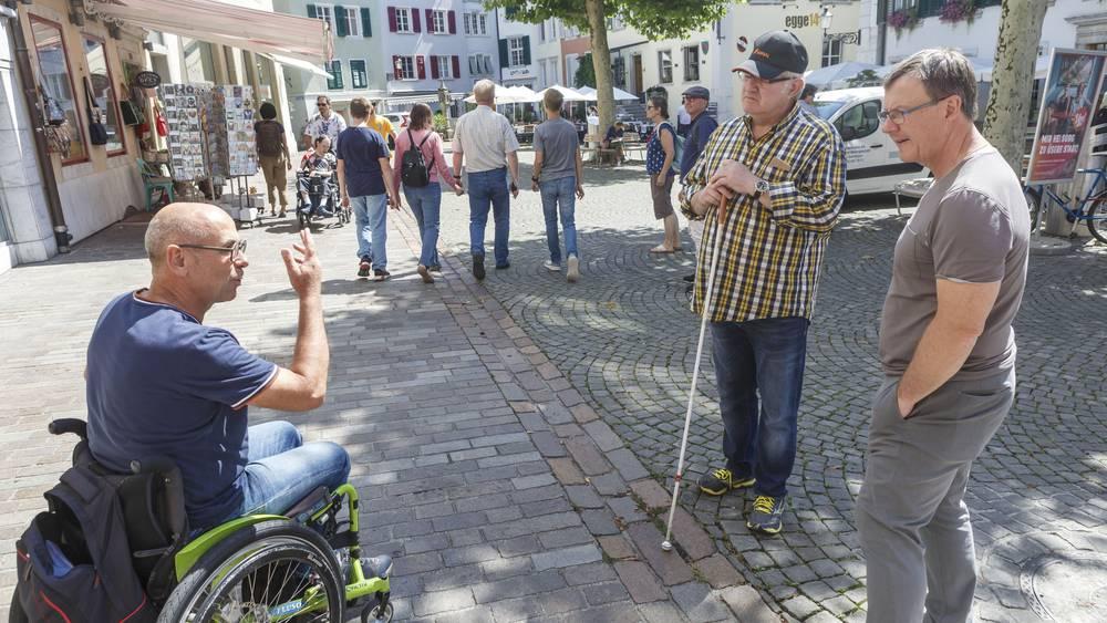 Ein besonderer Stadtrundgang mit Jürgen Hofer (Direktor Solothurn Tourismus), Stefan Keller (Rollstuhlfahrer) und Thomas A. Biedermann (sehbehindert)